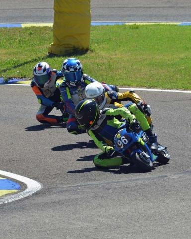 La Scintilla, štiri dirkači v vrsti